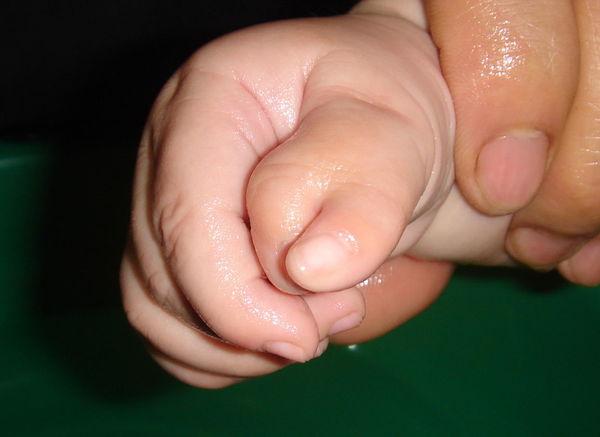 宝宝 壁纸 孩子 小孩 婴儿 600_437
