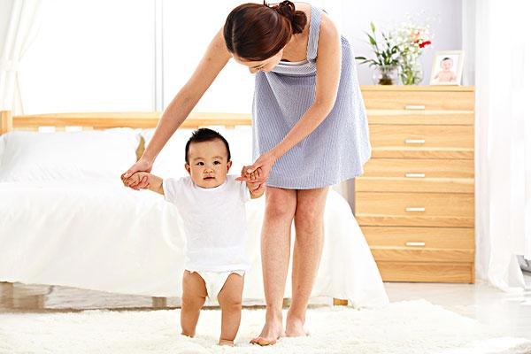 宝宝髋关节略松弛