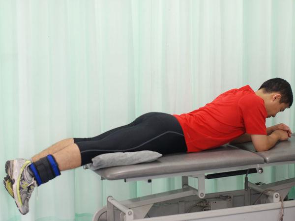 膝关节伸直功能练习方法图解