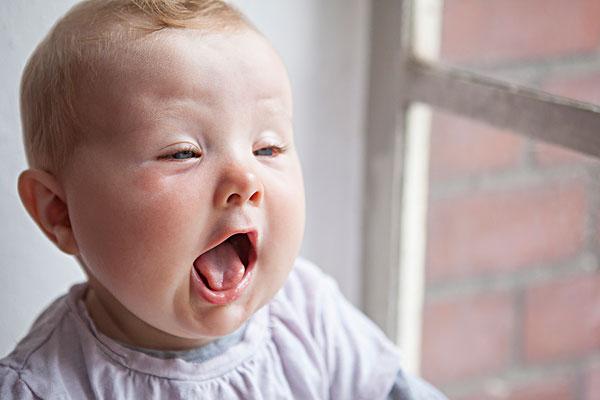 宝宝舌苔和鹅口疮解说