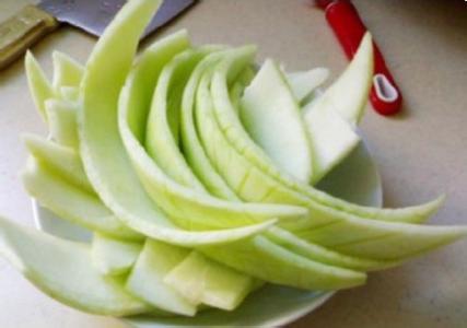西瓜皮怎么做好吃又简单