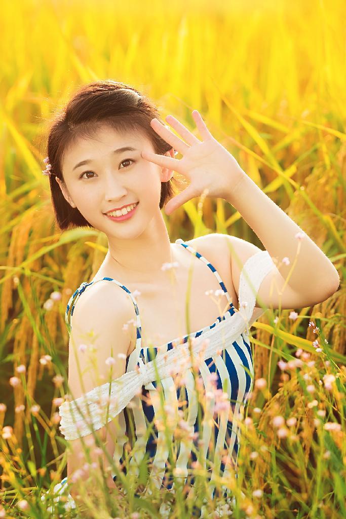 高清清纯美女图片壁纸稻谷飘香